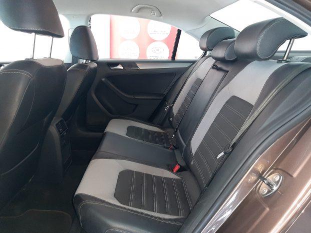 Volkswagen Jetta 1.4 5p Automático Bronce full